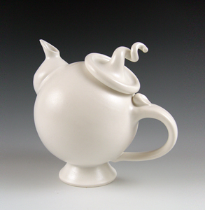 Hand thrown cermaic teapot by Lilach Lotan