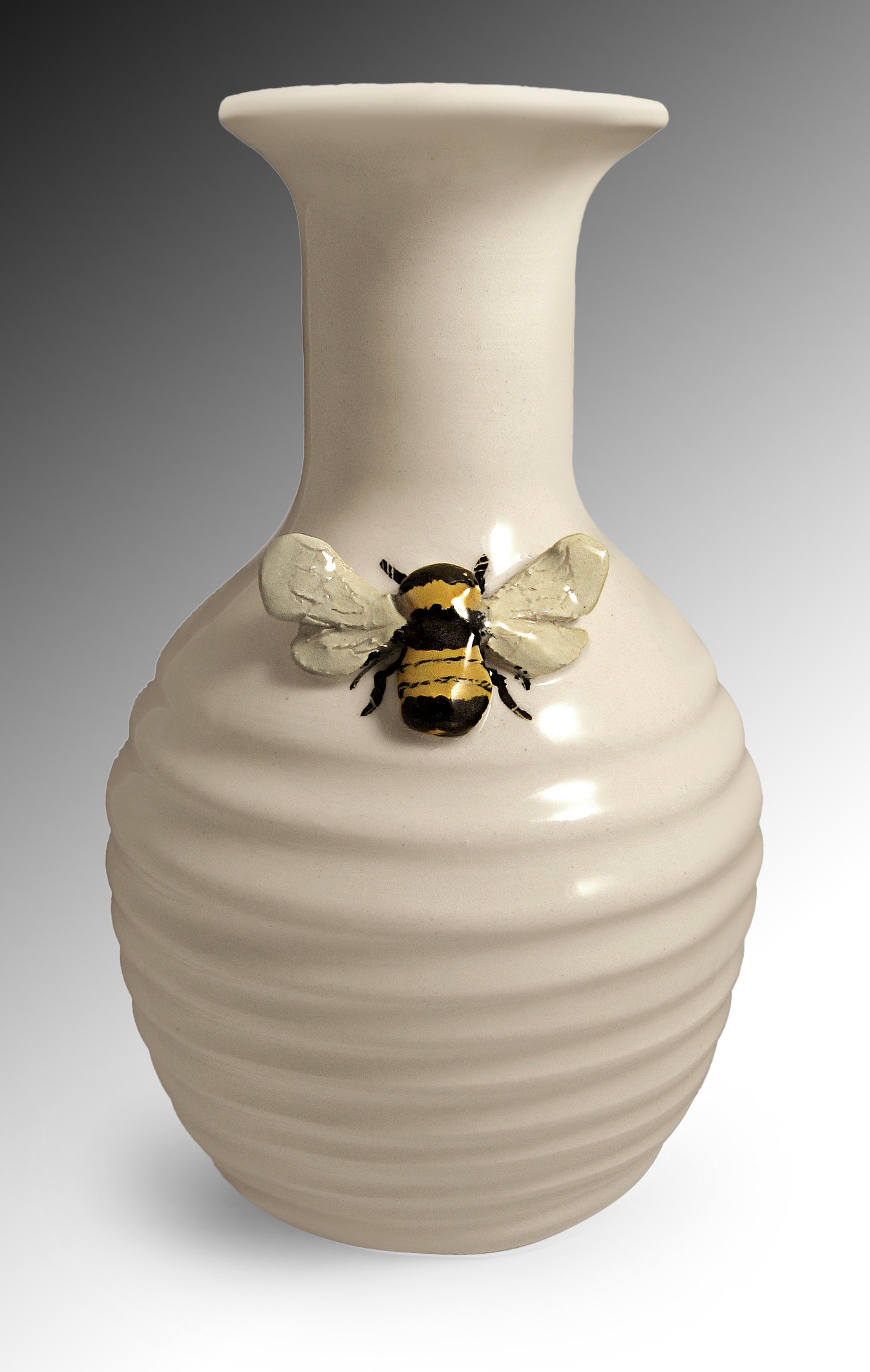 Http Www Artfulhome Com Product Ceramic Vase Bee Vase 75472