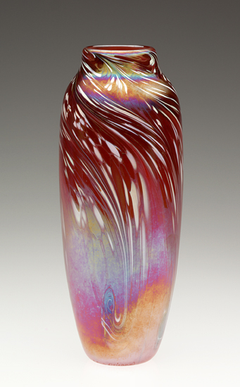 Red Powder Feathered Vase