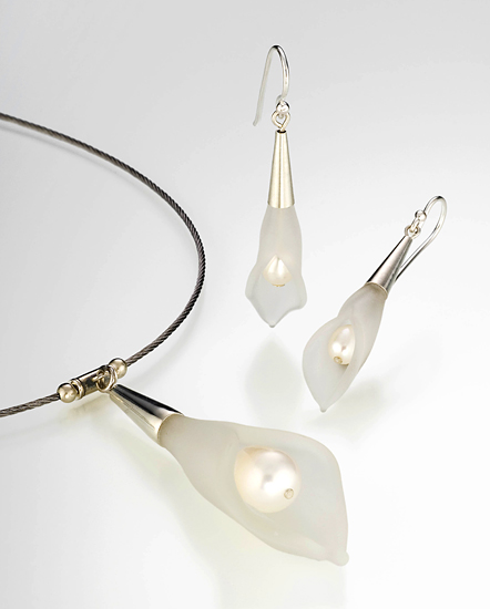 Calla Lily Pearl Necklace & Earrings