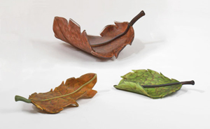 Giant Glass Leaves: Michael Cohn and Molly Stone: Art Glass Sculptures - Artful Home :  art handmade glass leaf