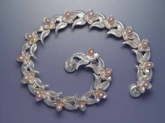 Double Leaf & Bloom Bracelet with Pearls