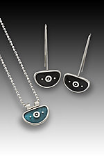 Chinese Jewelry by Eileen Sutton (Gold, Silver, and Resin Jewelry)