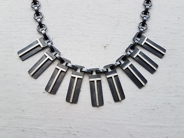 Eclipse Arch Tab Link Necklace