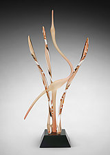 Heron in the Marsh, Apricot by Warner Whitfield and Beatriz Kelemen (Art Glass Sculpture)