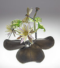 Water Lily by Loy Allen (Art Glass Sculpture)