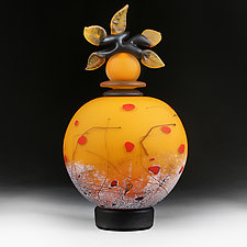 Letnje Jabuke Yaskravo (Summer Apples Bright) by Eric Bladholm (Art Glass Vessel)