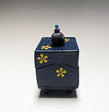 Yellow Daisy Box by Vaughan Nelson (Ceramic Box)