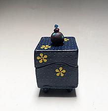 Yellow Daisy Box by Vaughan Nelson (Ceramic Box)
