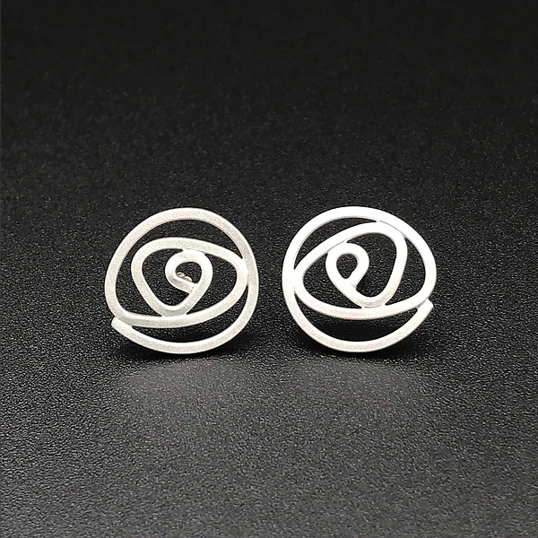 Labyrinth Small Stud Earrings