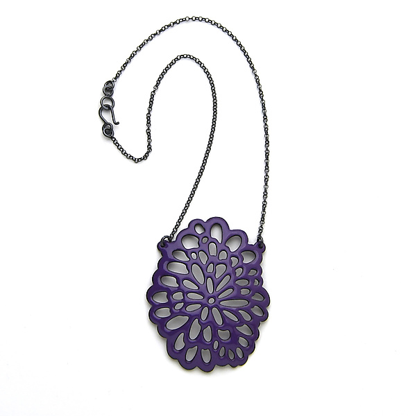 Oval Flower Pendant Necklace