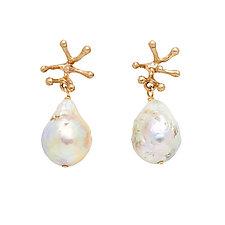 Stamen Ivory Baroque Pearl Earring by Julie Cohn (Pearl Earrings)