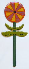 Wallflowers: Whirligig Zinnia by Mary Johannessen (Art Glass Sculpture)