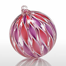 Duchess by Treg  Silkwood (Art Glass Ornament)
