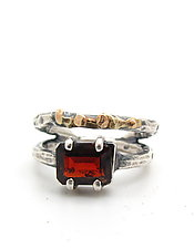 Garnet & Hammered Gold Band Ring by Lauren Passenti (Gold, Silver & Stone Ring - Size 9.5)