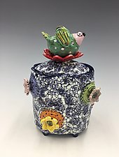 Territorial Bird by Lilia Venier (Ceramic Jar)