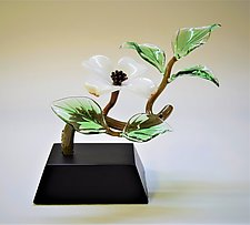 White Dogwood by Hung Nguyen (Art Glass Sculpture)