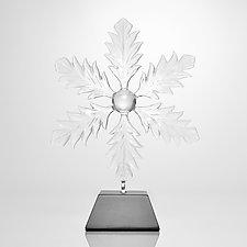 Snow Flake by Hung Nguyen (Art Glass Sculpture)