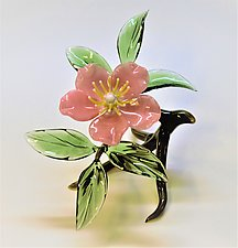 Pink Cherokee Rose by Hung Nguyen (Art Glass Sculpture)