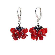 Animated Petal Earrings by Kathryn Bowman (Beaded Earrings)