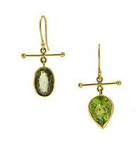 Peridot Crossbar Gold Earrings by Lori Kaplan (Gold & Stone Earrings)