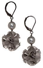 Flora Earrings with Pearls by Chihiro Makio (Silver & Stone Earrings)