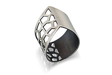 V Ring by Chihiro Makio (Silver Ring)