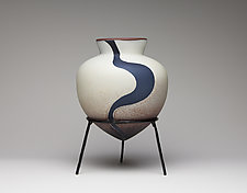 Euphrates Amphora by Hannah Nicholson & Alana van Altena (Art Glass Sculpture)