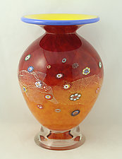 Small Round Daffodil Blossom Vase by Ken Hanson and Ingrid Hanson (Art Glass Vase)