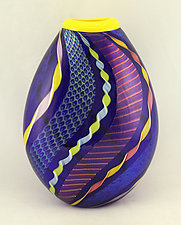 Small Cobalt Dichroic and Twisted Cane Vase by Ken Hanson and Ingrid Hanson (Art Glass Vase)