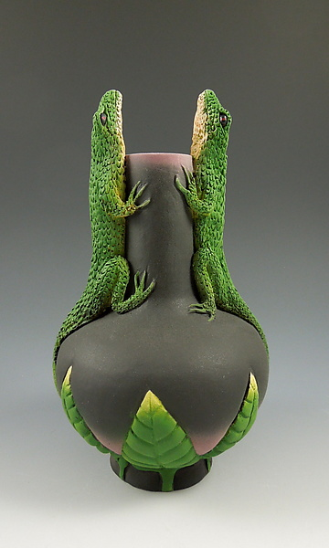Two Conversing Lizards Vase