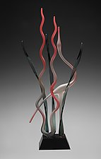 Great Mystic Ruby Heron In Marsh by Warner Whitfield and Beatriz Kelemen (Art Glass Sculpture)