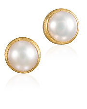 Pearl Stud Earrings by Petra Class (Gold & Pearl Earrings)