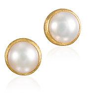 Pearl Stud Earrings by Petra Class (Gold & Pearl Earrings)