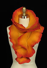 Rose Scarf: Peachy by Jenne Giles  ()