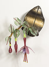 Fuchsia on Leaf by Loy Allen (Art Glass Wall Sculpture)