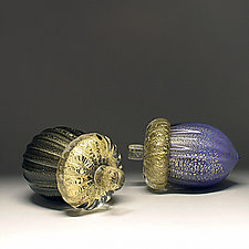 Gold Leaf Acorn by Scott Summerfield (Art Glass Sculpture)