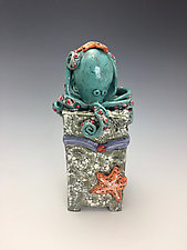 Pulpito by Lilia Venier (Ceramic Box)