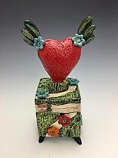 Volatile by Lilia Venier (Ceramic Box)