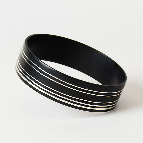 Stripe Off Center Wide Bangle