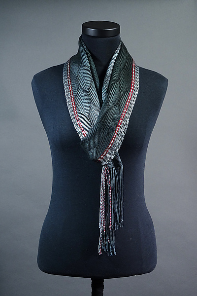 Feathers Scarf in Charcoal