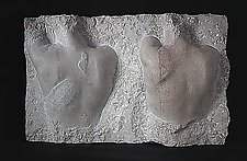 Due Skiene (Pamela) by Gerald Siciliano (Stone Wall Sculpture)