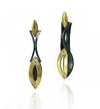 Moiré Marque-Shaped Link Earrings by Keiko Mita (Gold & Silver Earrings)