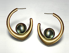 Annalee Earrings and Joan Pendant by Britt Anderson (Gold & Pearl Jewelry)