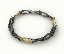 Moiré Marque-Shaped Link Bracelet by Keiko Mita (Gold & Silver Bracelet)