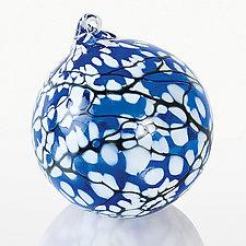 Snow Blossom by Thomas Kelly (Art Glass Ornament)