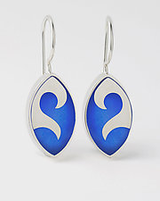 Elliptical Wave earrings by Victoria Varga (Silver & Resin Earrings)