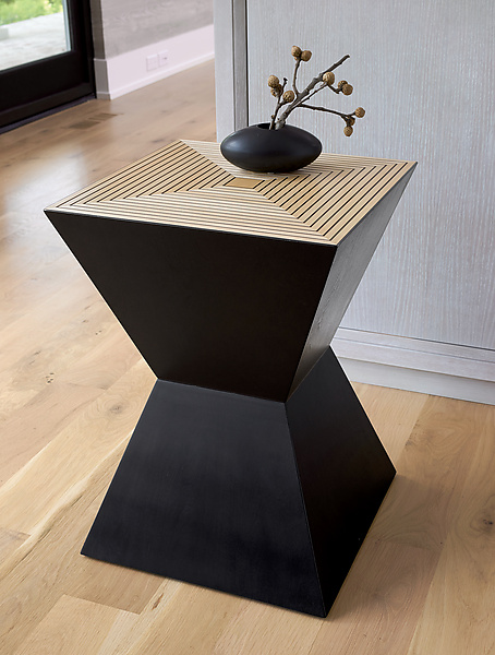 Tux Table