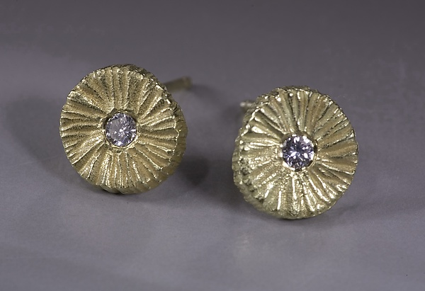 Small Dig Earring Round with Diamond
