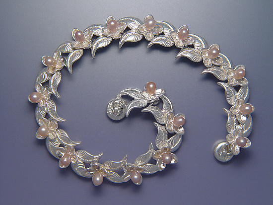Double Leaf and Bloom Bracelet with Pearls
